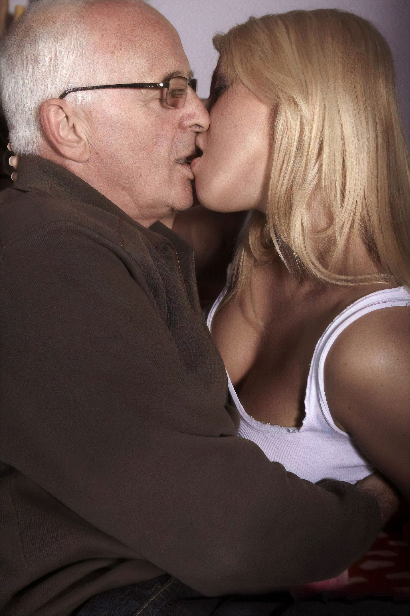 old-kissing-young-girls