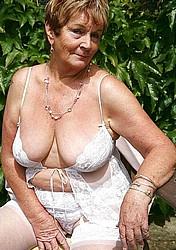 sexy-grannies05.jpg